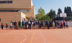 El consejero Imbroda posa con profesores y alumnos del nuevo Centro Educativo de Excelencia Deportiva (CEEDA).